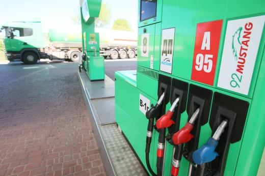 В Україні подорожчав бензин: що буде з цінами на пальне