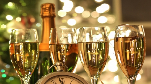 Лікарка розповіла, як безпечно зустріти Новий рік під час епідемії COVID