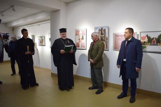 """У галереї """"Ужгород"""" стартувала ювілейна виставка закарпатського скульптора Василя Олашина"""
