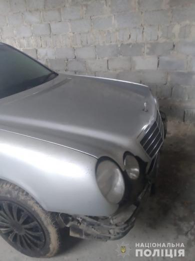 На Тячівщині водій легковика збив дівчину і втік з місця ДТП