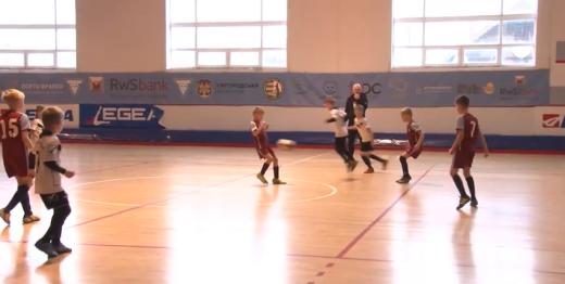 На Ужгородщині 16 команд змагаються у дитячому футбольному турнірі (ВІДЕО)