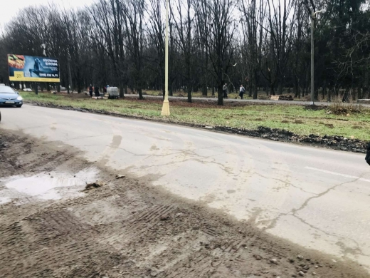 Забудовників в Ужгороді притягнуть до адмінвідповідальності за виїзд із будівництва вантажівок із брудними колесами