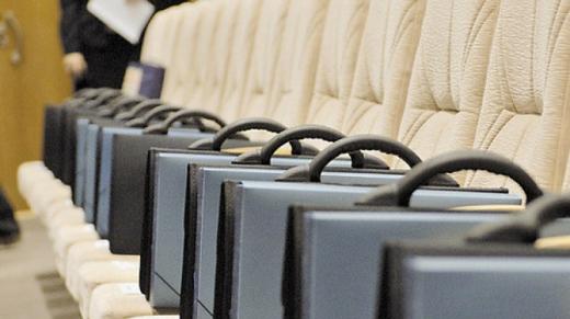 Рада дозволила держслужбовцям залишатися на посаді до 70-річного віку