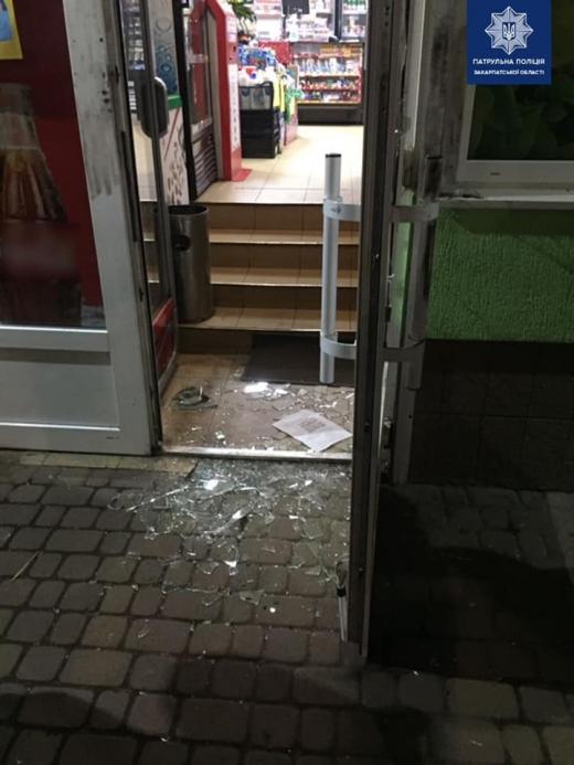 Вночі в один із ужгородських магазинів вдерся крадій
