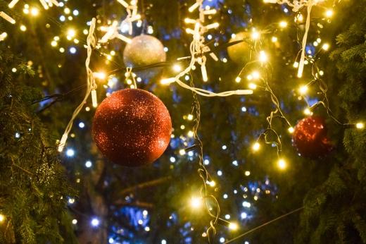 Цьогоріч ужгородці будуть спостерігати за запаленням вогнів новорічної ялинки онлайн