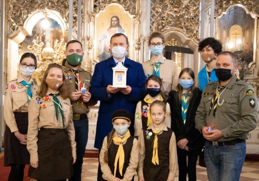 Вифлеємський вогонь миру передали до Ужгорода