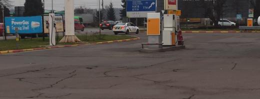 Правоохоронці Мукачева отримали інформацію про замінування заправки