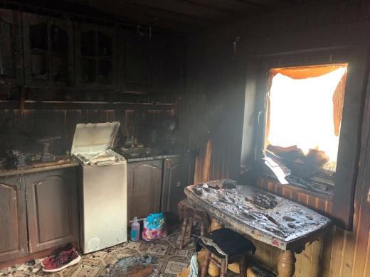 Закарпатські вогнеборці ліквідували пожежу в одному з сіл на Рахівщині