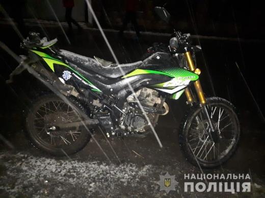 На Свалявщині нетверезий мотоцикліст збив неповнолітню дівчинку