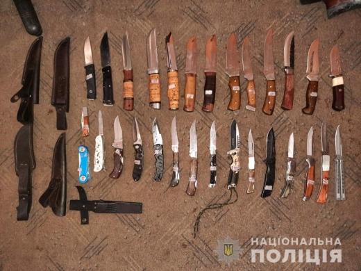 У Рахові двоє чоловіків пограбували склад мисливсько-рибальського магазину (ФОТО)