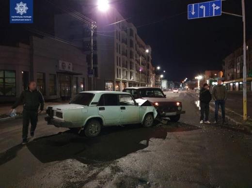 На винуватця нічної ДТП в Ужгороді склали три адмінматеріали