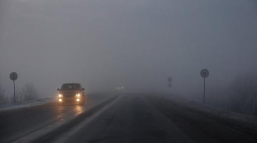 В останні дні грудня Україну накриє туман і сильний вітер