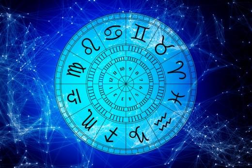 Гороскоп на 31 грудня для всіх знаків зодіаку: день, коли потрібен чіткий план