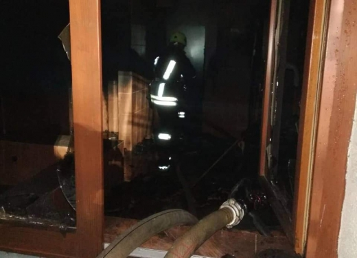 У Воловці, в мотелі, загорілась лазня: пожежники врятували трьох людей