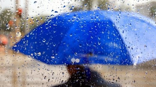 Прогноз погоди на 4 січня: дощі й сонце розділять Україну