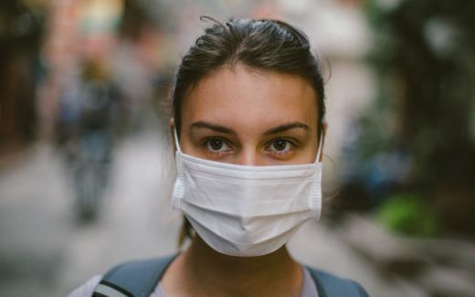 Захист від вірусів: як вибрати медичну маску?