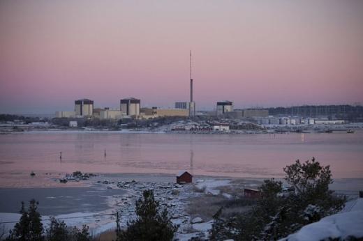Швеція зупинила перший блок найбільшої атомної станції