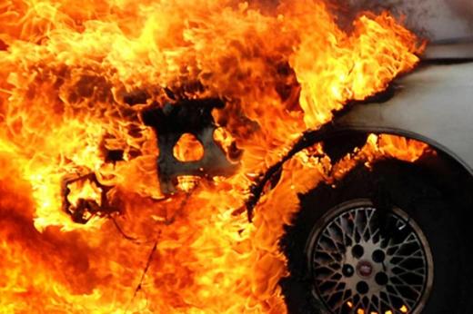 В Ужгороді вночі горіли автомобілі: подробиці