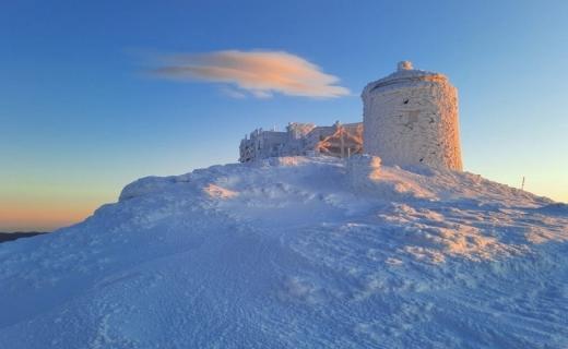 Рятувальники опублікували фото справжньої зими з гори Піп Іван Чорногірський
