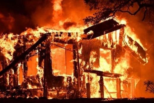 У Мукачівському районі пожежа знищила надвірну споруду з 2 тоннами сіна