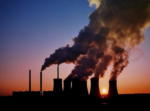 Україна почала відстежувати викиди парникових газів промисловістю