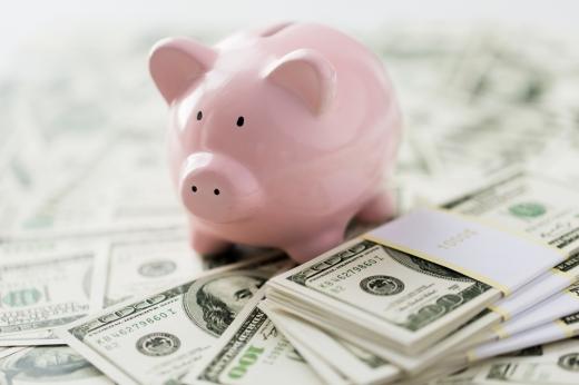 Як правильно економити гроші: українцям дали прості поради