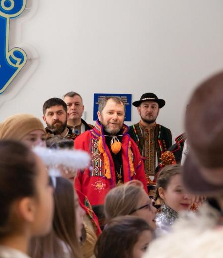 До міської ради Ужгорода завітав вертеп (ФОТО)