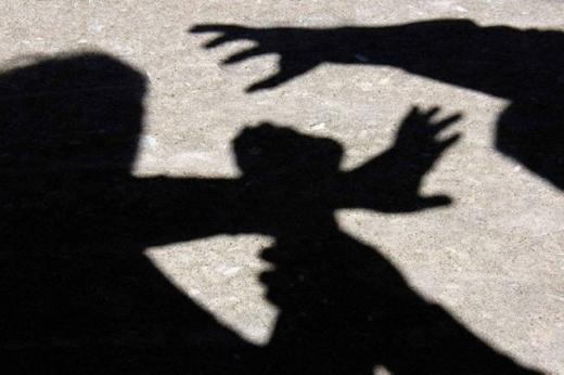 В Ужгороді пограбували жінку: одного з підозрюваних взято під варту