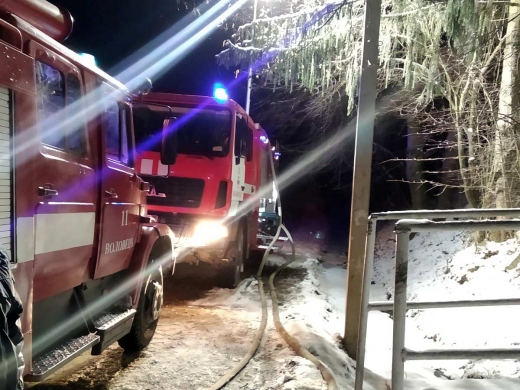 На Воловеччині загорівся житловий будинок поки його мешканці спали