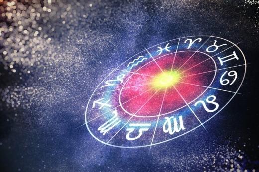 Гороскоп на 19 січня: що чекає сьогодні на Овнів, Скорпіонів, Стрільців та інші знаки Зодіаку
