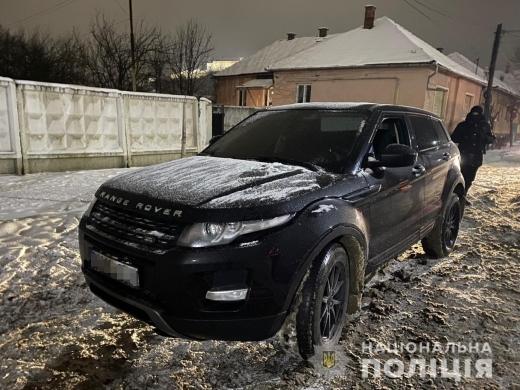В Мукачеві за ніч виявили дві іномарки з підробленими документами (ФОТО)