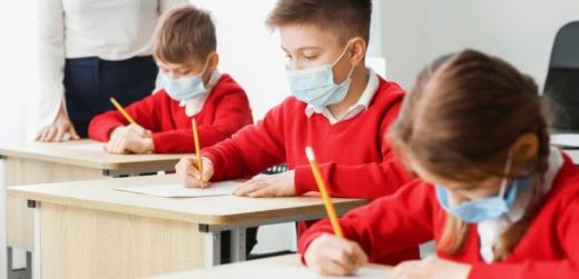 З понеділка школярі Ужгорода повертаються до навчання у класах