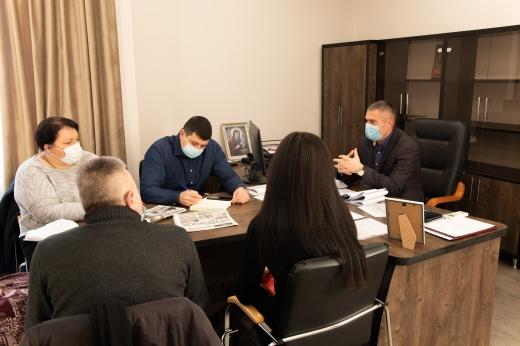 В Ужгородській міській раді обговорили причини вчорашнього підтоплення на вул. Грушевського