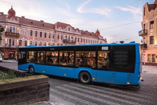 В Ужгороді припинено обслуговування трьох маршрутів: подробиці