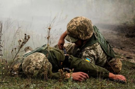 Двоє захисників отримали поранення на Донбасі