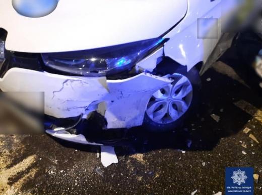 Виїхав на зустрічну і зіткнувся з іншим авто: в Мукачеві нетверезий водій скоїв ДТП
