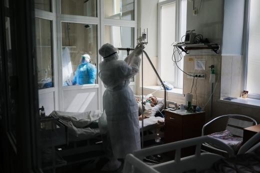 На Закарпатті за минулу добу шестеро осіб померло від COVID-19, виявлено 127 нових хворих