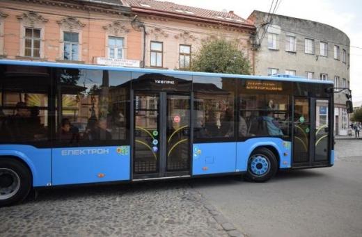 На новому автобусному маршруті в Ужгороді курсуватиме сучасний Електрон (ВІДЕО)