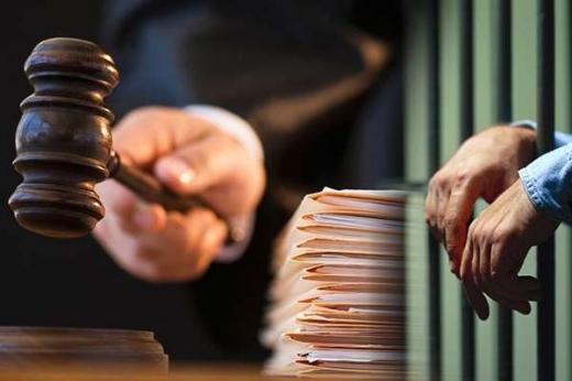 У Хусті судитимуть 32-річного працівника банку, який викрав понад 1 млн грн з банкоматів
