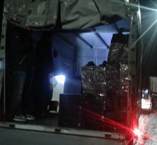 У Нижніх Воротах зупинили автомобіль з прихованими безакцизними цигарками (ФОТО)