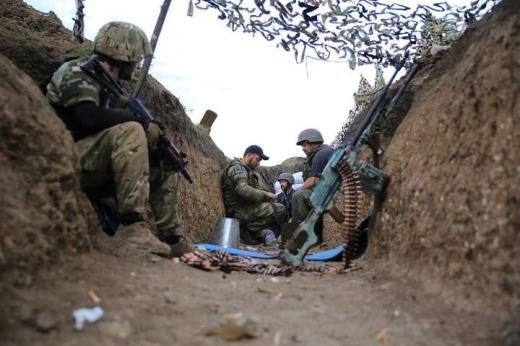 На Донбасі за добу бойовики 13 разів порушили тишу: обстрілювали та мінували місцевість — штаб