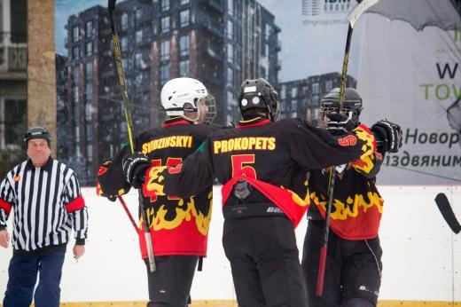 В Ужгороді яскравим святом завершився ювілейний Чемпіонат області з хокею (ФОТО)