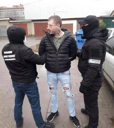 На Закарпатті затримали зловмисника, який перебував у міжнародному розшуку