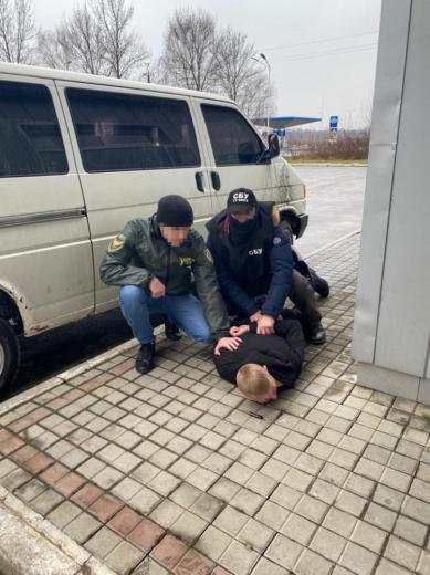 На отриманні хабарів затримали двох прикордонників Мукачівського загону