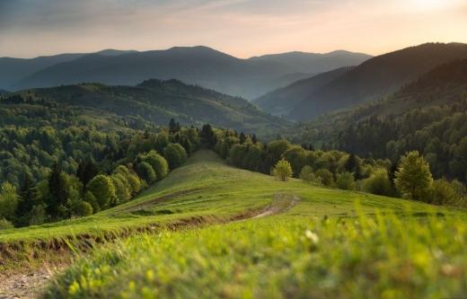 Закарпаття та Прикарпаття спільно розвиватимуть туризм в українських Карпатах