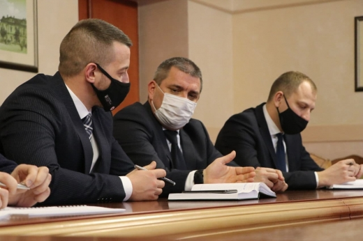 У Закарпатській ОДА обговорювали проблему забруднення річок сміттям