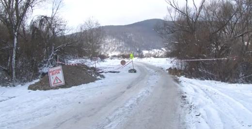 На Перечинщині обіцяють відремонтувати обвалену частину дороги села Ворочево (ВІДЕО)