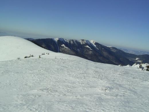 Синоптики попереджають про високу небезпеку сходження лавин у Карпатах
