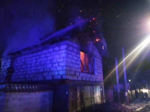 У Сваляві горіла надвірна споруда