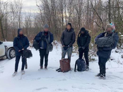 На Закарпатті затримали групу нелегалів